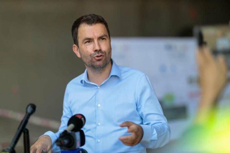 """Cătălin Drulă: """"Sistemul feroviar e subfinanțat cronic de 30 de ani. Trebuie să îl scoatem din groapa în care a fost aruncat!"""""""